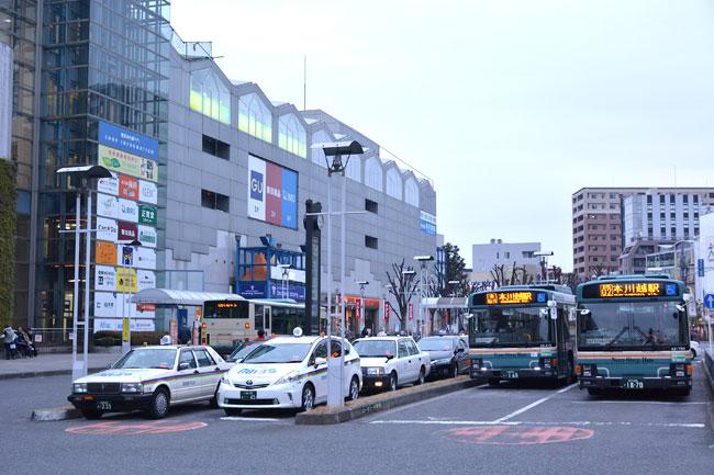 西武新宿線本川越駅前。左手の建物が「西武本川越ペペ」