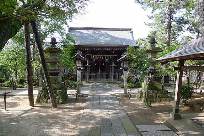 永井荷風の散歩道であったという白幡天神社