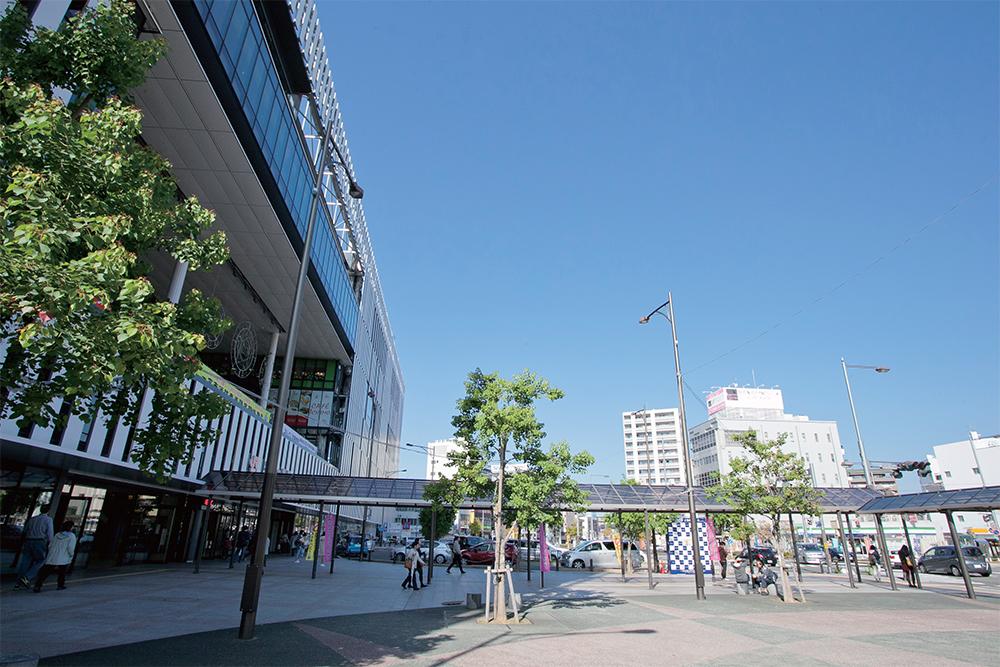 尾張一宮駅近くには大型複合施設あり便利