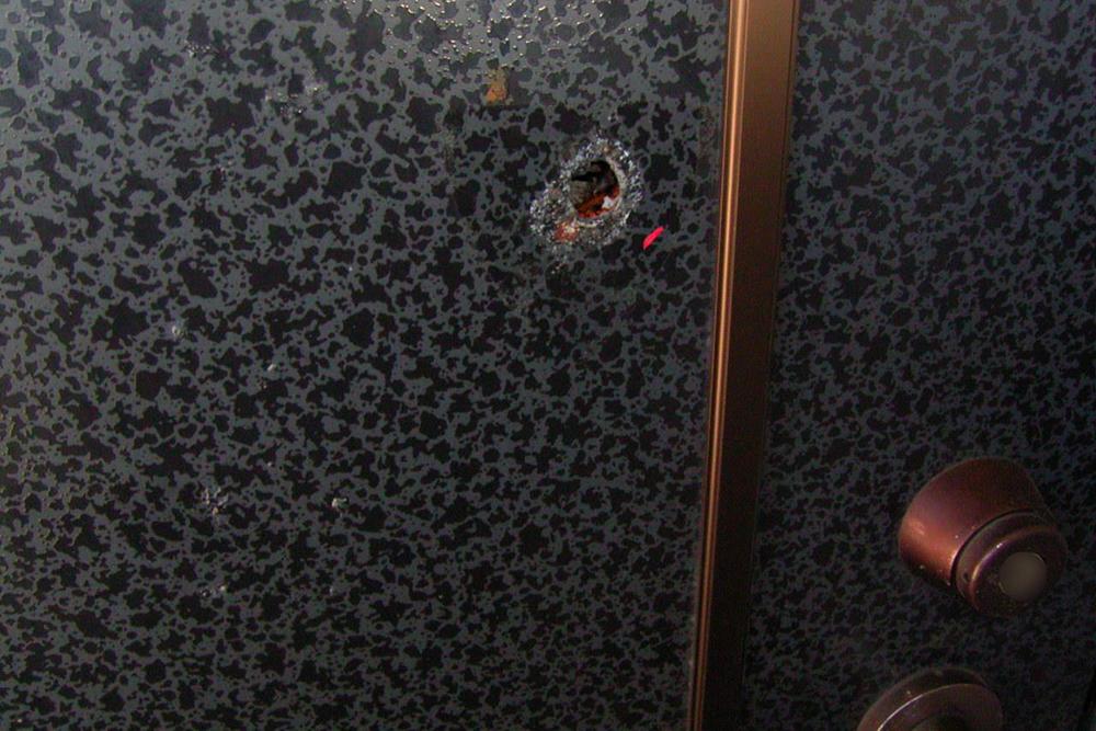 サムターン回しの被害に遭ったドア