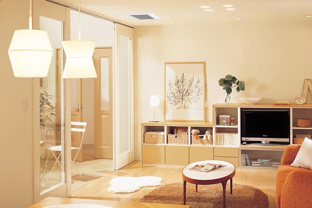 リビングの天井埋込形換気扇の例