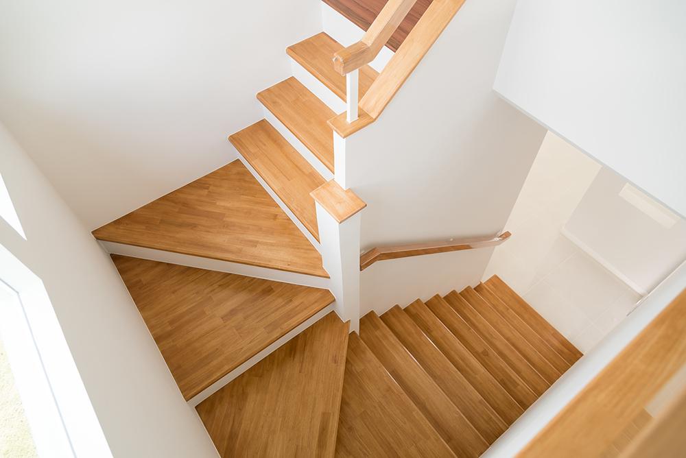 階段と踊り場の写真