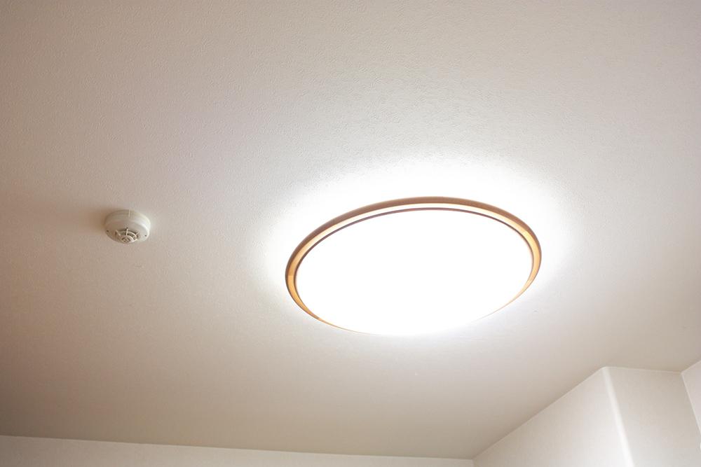 勾配天井照明