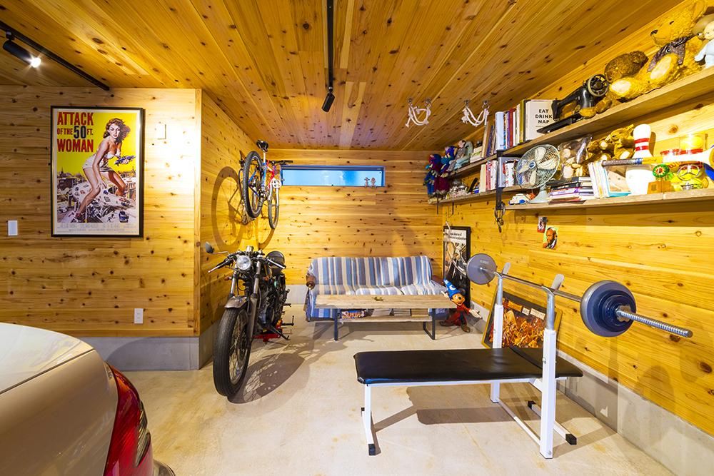 24坪のビルトインガレージ 趣味部屋