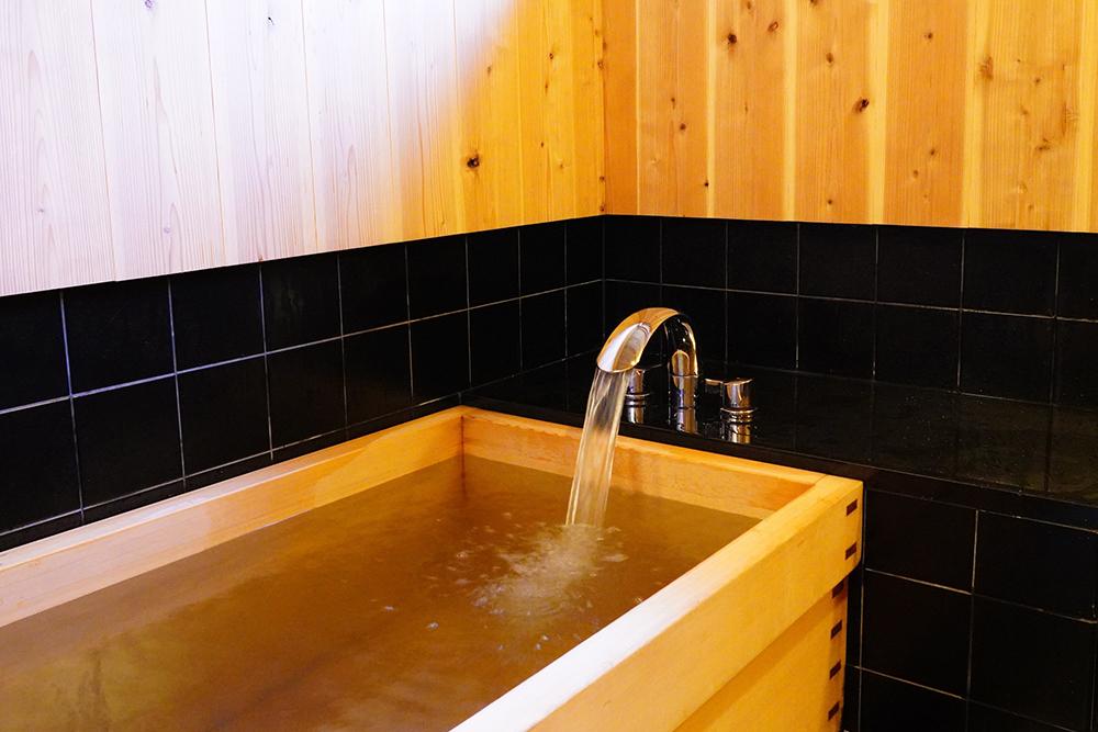 木製の浴槽