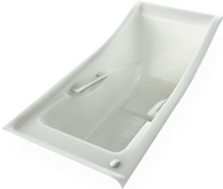 ソファのように腰かけられる「ラウンジ浴槽」