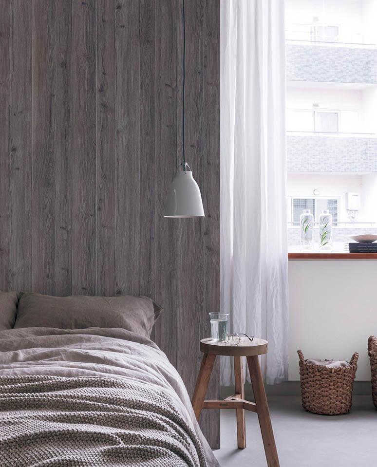 木の板のような寝室の壁紙