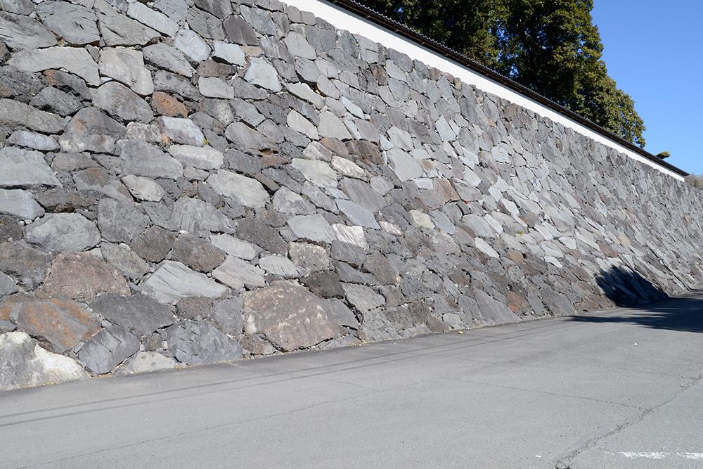 石積み擁壁の例