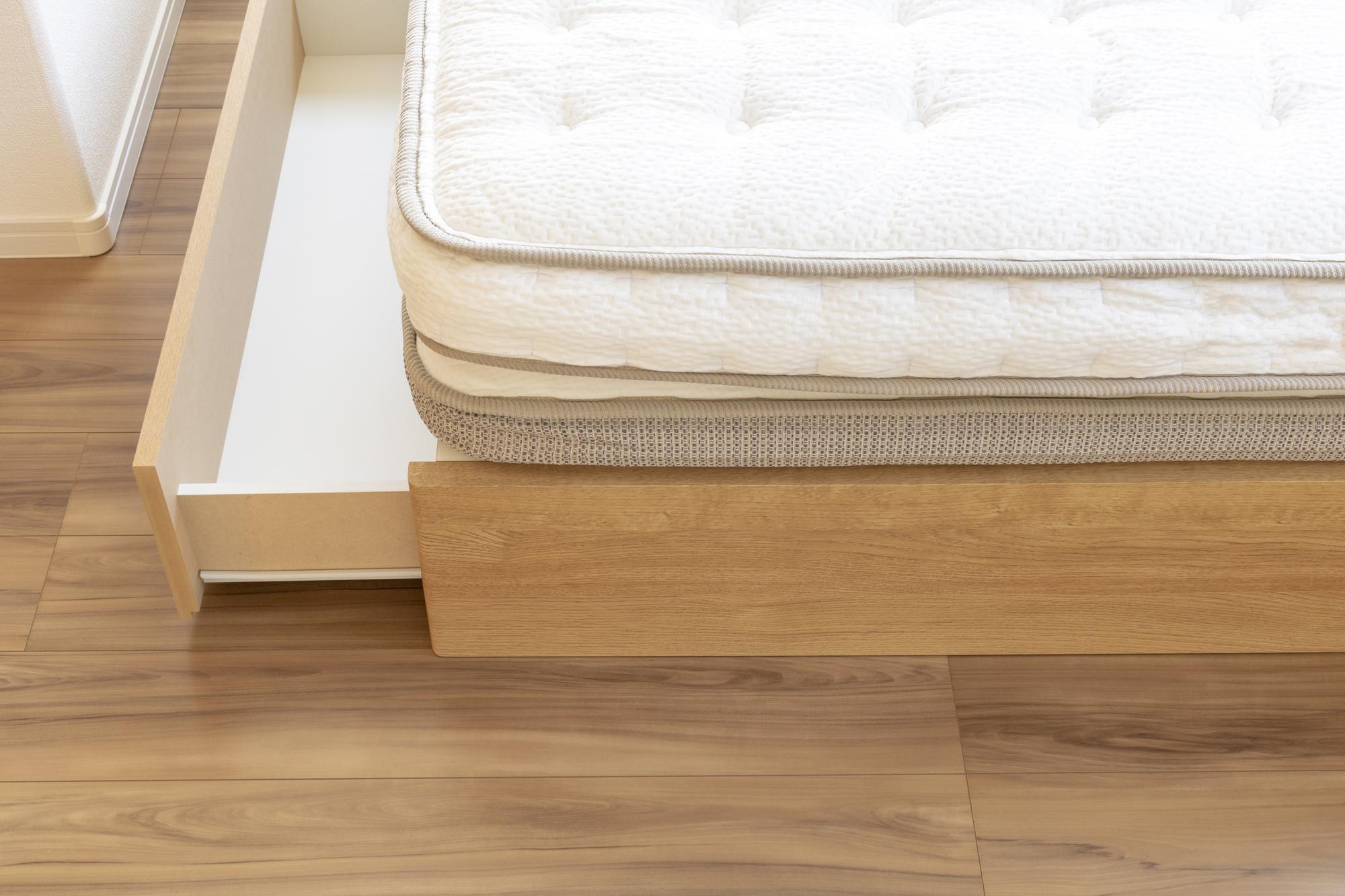 フレーム+マットレスタイプのベッドの写真
