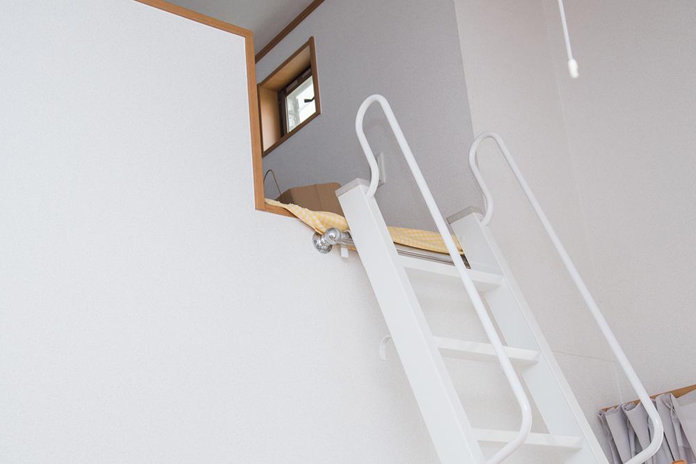 ロフトに設置されたはしご