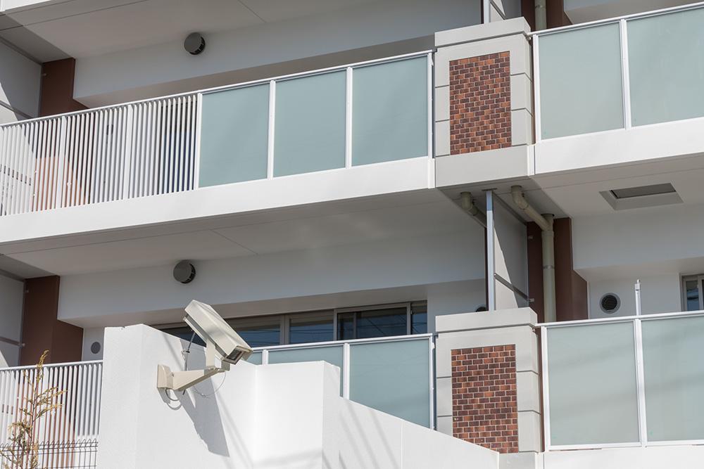 防犯カメラが設置された住宅の写真