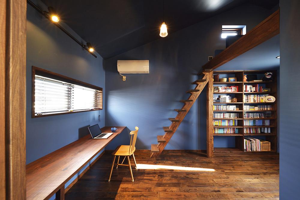 スタイル工房 深い色味のウォールナット材で床を張り替えた例