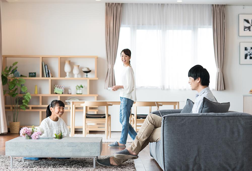 平屋に住む3人家族のイメージ