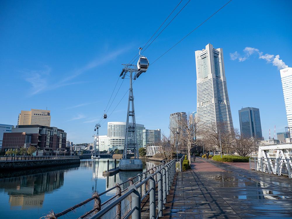 横浜市の桜木町駅前から出発する「YOKOHAMA AIR CABIN」