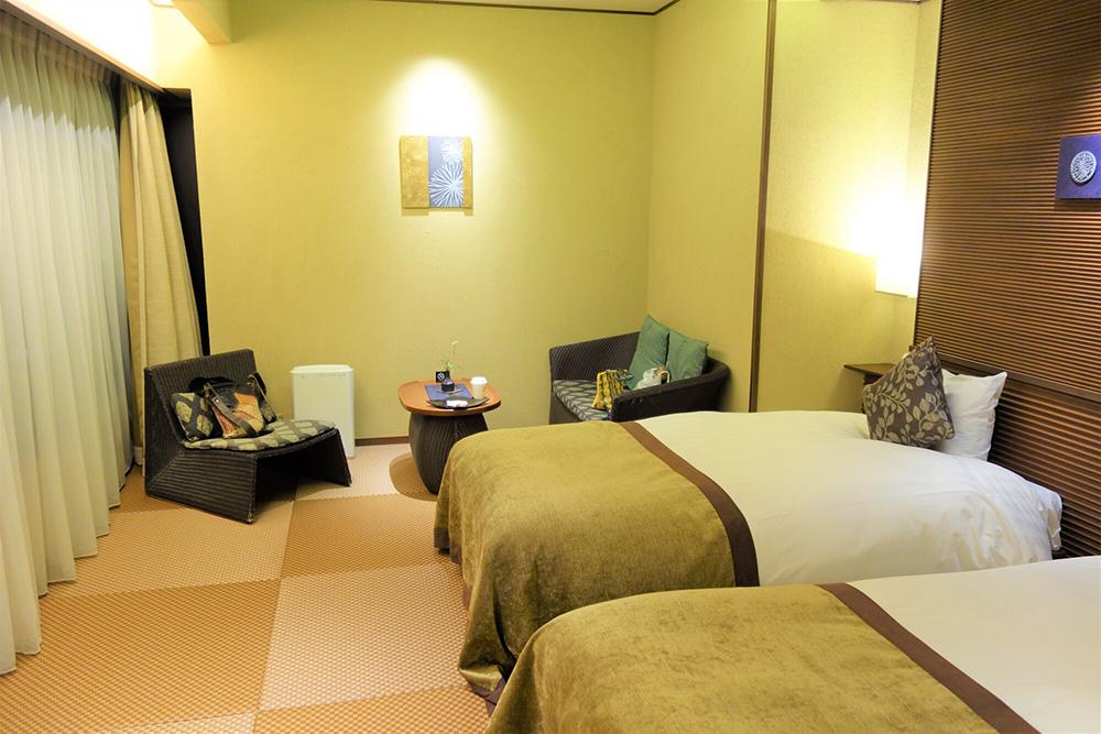 和室にベッドを置いた寝室のイメージ