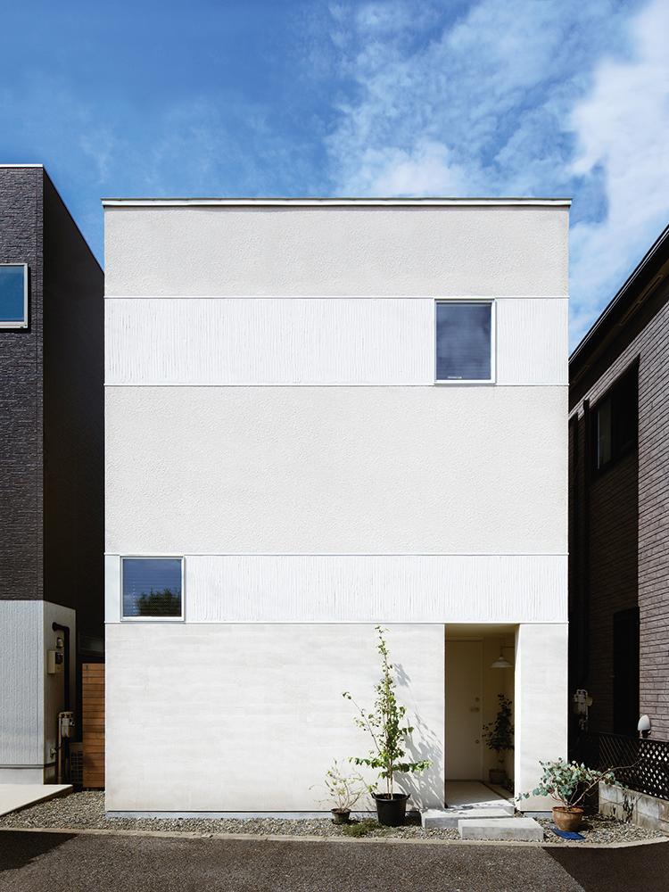 職人の手仕事感のある、塗り壁らしく味わい深いデザインのジョリパットの外観事例