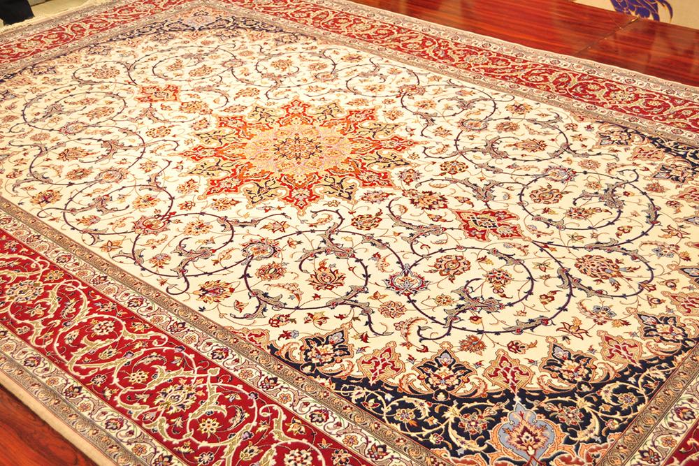 ペルシャ絨毯の一例