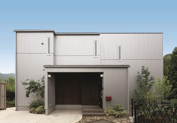 金属製外壁材 センターサイディング