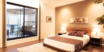 ベッドルームは一日の疲れを癒したり、コミュニケーションを楽しめる大切なプライベート空間