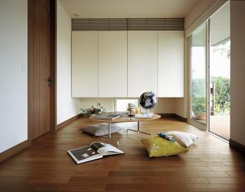 リビングに隣接したマルチスペースは、ご家族が趣味に使ったり、家事をしたり、客間にも活用できる空間だ