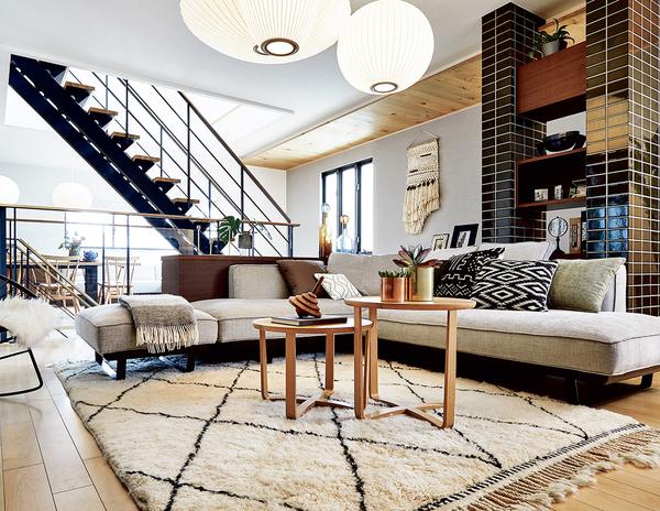 優れた対応力で、敷地を最大限に活かした住空間づくりができるのもデシオの魅力。斜線制限などの法規制をクリアしながら、最適な敷地デザインと洗練の外観シルエットを実現します