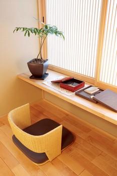 寝室に付随する書斎空間。お休み前のナイトキャップ(軽く一杯)や読書の続きも楽しめる