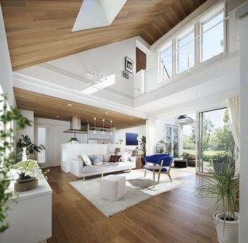 目線を先へと導く屋根の稜線。部屋と中庭のつながり。伸びやかで、居心地のよい空間が、豊かな時間を演出してくれる