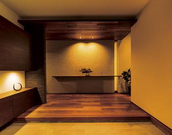 玄関に一歩足を踏み入れると感じる木のぬくもり、やさしさ、ほのかな香り。品格がある中にも安らぎが感じられる家づくりも『xevo GranWood』の魅力のひとつ
