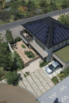 エネルギーをつくる・ためる・かしこく使うことで、無理なく省エネを実現するスマートハウス。大容量の太陽光パネルがたくさん設置できるのは、大きな屋根を持つ二世帯ならでは。家計にうれしく、家庭と環境にやさしい住まいです