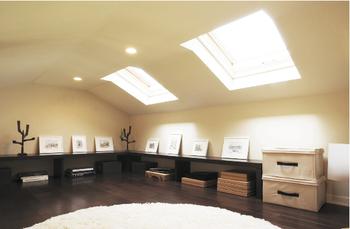 屋根と天井の間を小屋裏収納として活用できるので、趣味を楽しむ方やコレクションの多い方も安心。シニアや子どもも安心して昇り降りできる、専用階段が設置できる