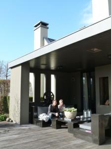 庭のアウトドア家具もPiet Boonデザイン