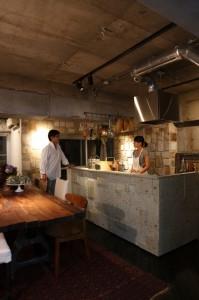 青山さんの理想の空間を、夫の佐戸川さんが具現化していった