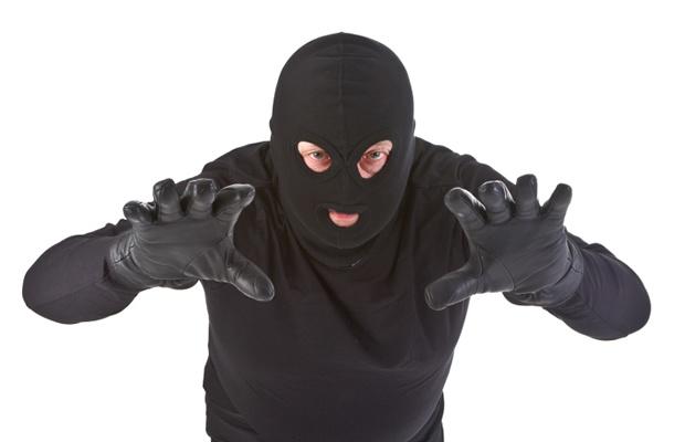 宅配業者を装った強盗が増加中!...