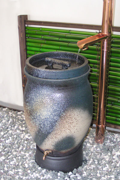 節水・節約・非常用にも。 雨水タンクでエコライフ