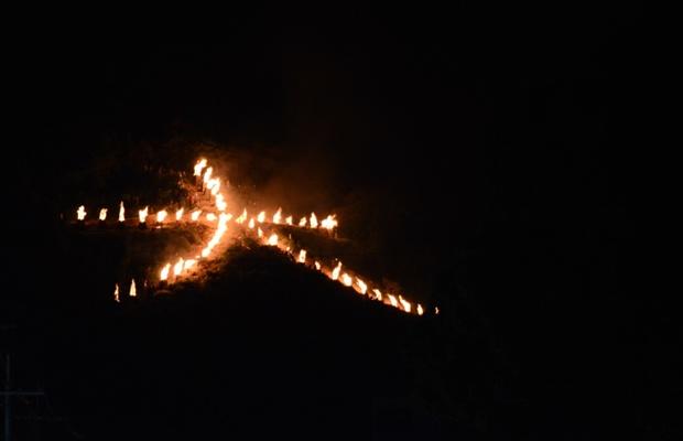 京都の夏の風物詩・大文字送り火の点火&消火は誰が行っているの?