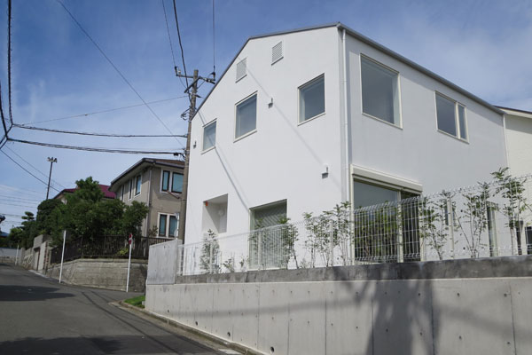 神奈川県逗子市「窓の家」入居者宅見学会 (写真撮影:藤井繁子)