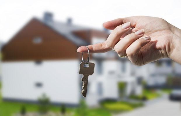 調査でも違いが明らか。住宅ローンは自分で選ぶ?紹介されたものにする?(写真:iStock / thinkstock)