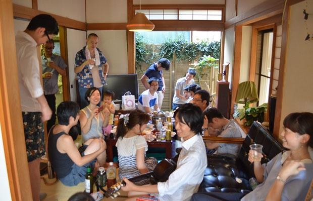 2軒の家をつなぐ流しそうめん その舞台裏にある豊かな東京谷中暮らし