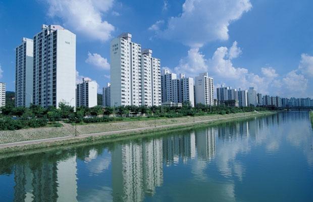 マンション建て替え法改正で好立地の物件供給が増える?(写真:iStock / thinkstock)