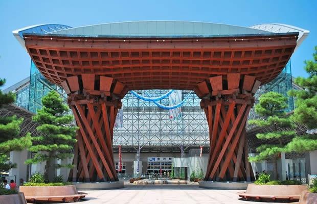 来年開業の北陸新幹線。盛り上げ役の「金澤八家」って?(写真:gnohz / 123RF.COM)