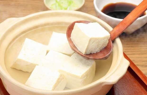 寒い日にお家でほっこり。湯豆腐おすすめレシピ3選(写真:reika7 / 123RF.COM)
