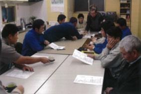 【画像3】「ベスト建設委員会」のミーティング風景(写真提供:丸山工務店)