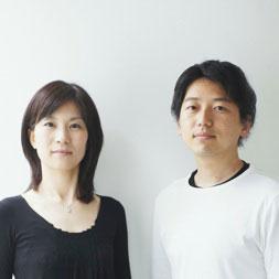【画像1】「都市や自然環境に開いて暮らす」という考えをもって設計活動している建築家の末光弘和さん(右)と末光陽子さん(左)(画像提供:SUEP.)