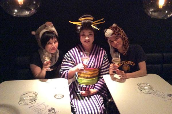 【画像4】土曜日の夜は、永田さんが花魁に扮して「花魁ナイト」を開催することも(画像提供:永田裕美子)