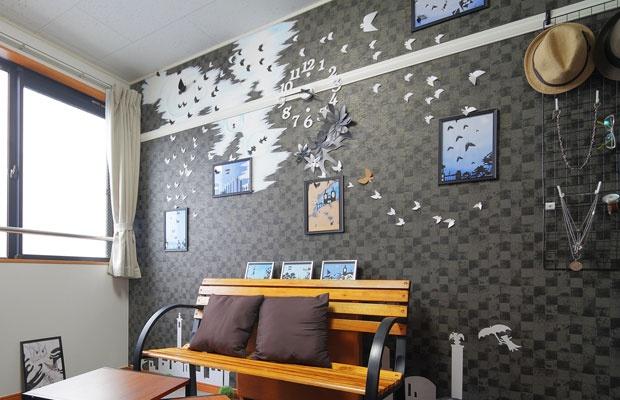 壁紙を選べる賃貸で楽しむDIY。ウォールアートカスタマイズの魅力(写真撮影:藤本和成)