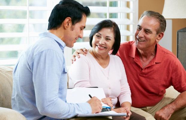 実家が相続税がかかるかどうか、自分でもある程度調べられる(写真:iStock / thinkstock)