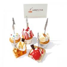 【画像4】クリップ付きカップケーキ。プレゼントにも喜ばれそう(画像提供:株式会社岩崎)