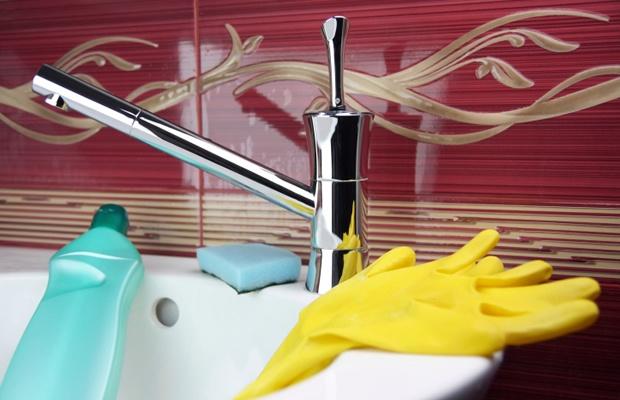 水まわりの大掃除! カビ・水垢をすっきり落とすコツ(写真: iStock / thinkstock)