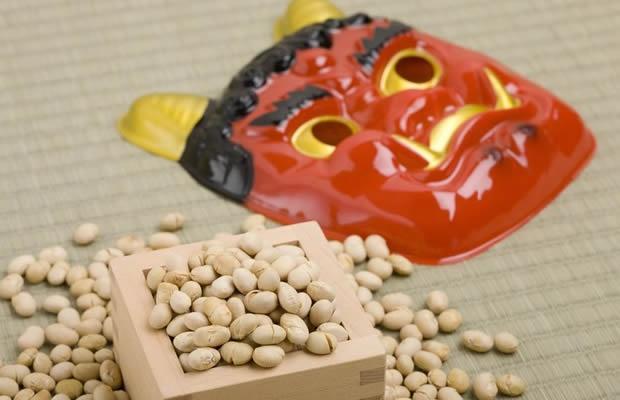 落花生に鬼は内…!?  日本全国・節分の豆まきトリビア(写真:whitetag / 123RF)