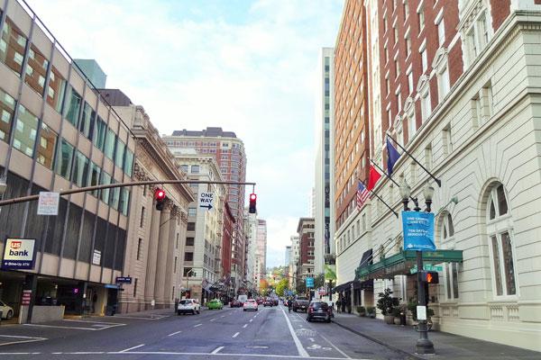 【画像1】ブロックが約60mなので街区ごとに建物の表情が変わる(撮影:住宅ジャーナリスト/山本久美子)